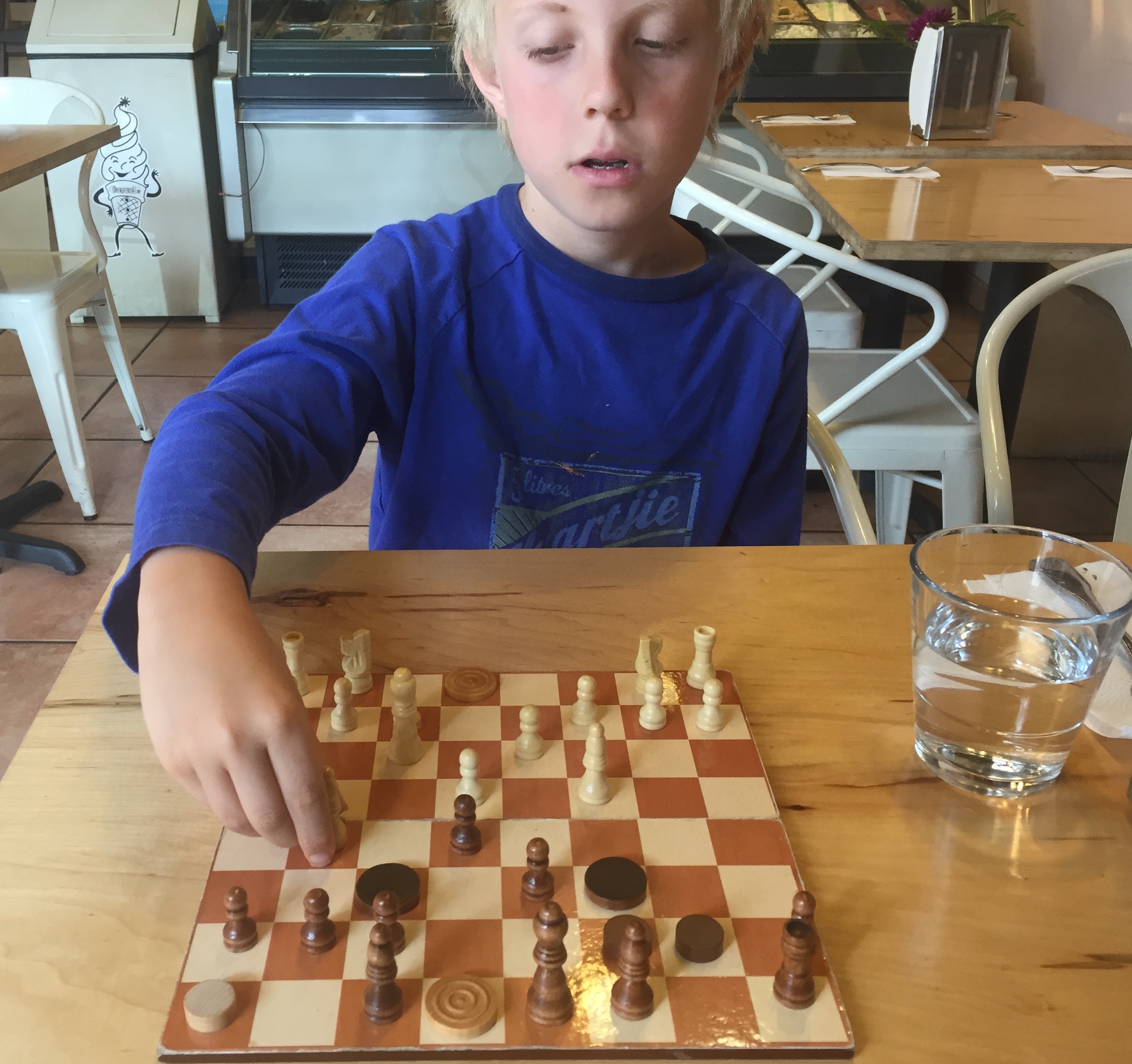 playing-chess-at-safe